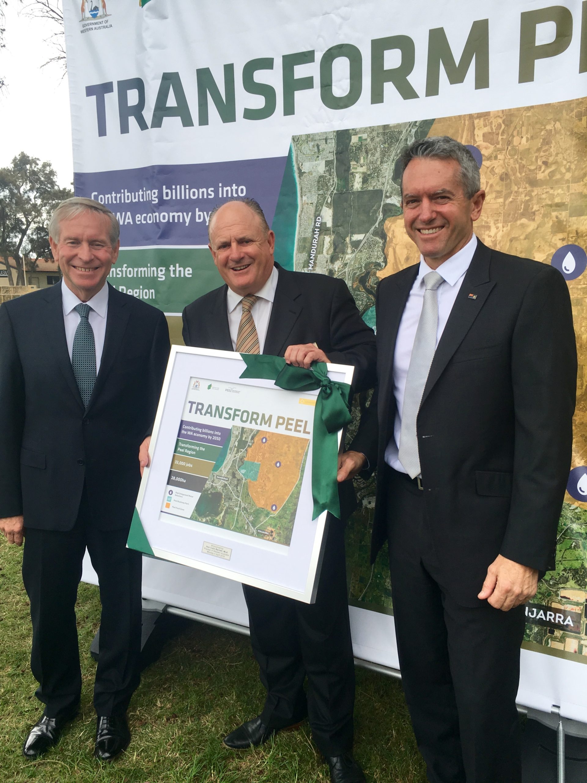 Premier Colin Barnett, PDC chair Paul Fitzpatrick and Minister Terry Redman vertical